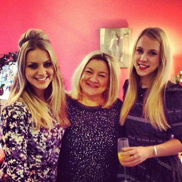 Hatti, her sister Kate, and mum